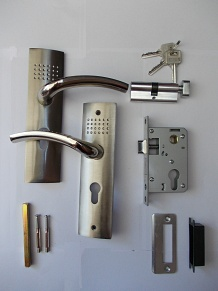 Комплект аксесоари за интериорна врата